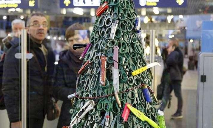 أغرب شجرة كريسماس في العالم - الإمارات نيوز