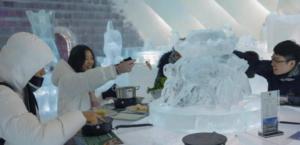 لمحبي الثلج.. تناول «الوعاء الساخن» داخل المطعم الجليدي!