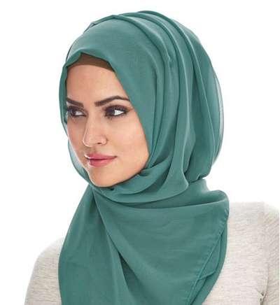 بالصور.. لفات حجاب صيف 2020 لإطلالةٍ عصريةٍ