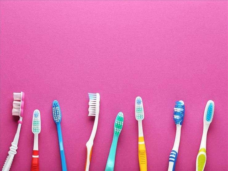 فرشاة الأسنان مصدر خطر.. كيف تحمي نفسك؟