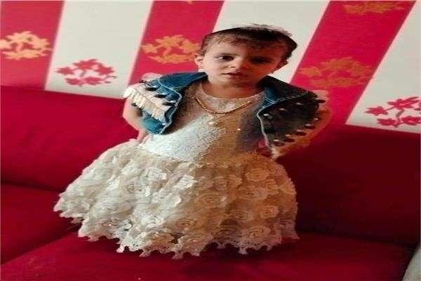 مصر.. امرأة تقتل طفلة بطريقة وحشية بسبب قرط ذهبي